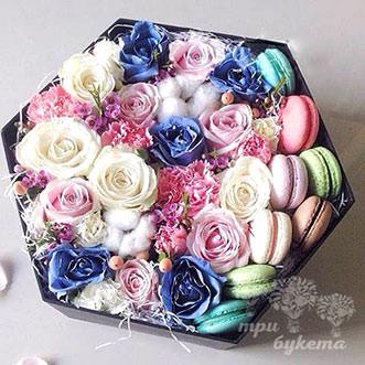 Макаруны с хлопком и розами