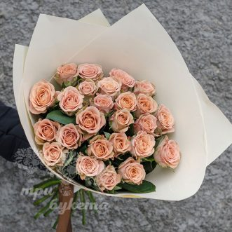 buket-iz-25-roz-kapuchino